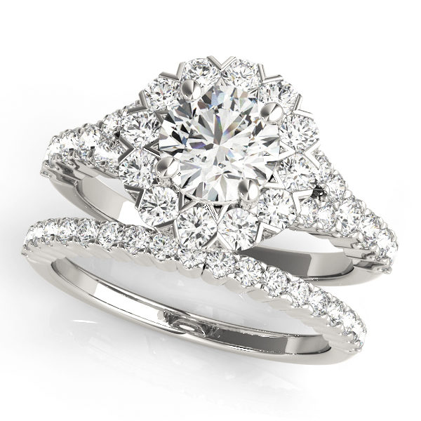 Wedding set of round cut engagement ring and a wedding band in white gold